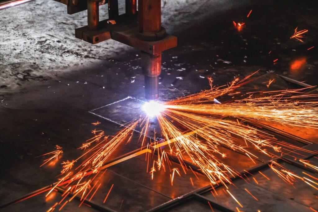 плазмовая рекска металла - услуга плазменной резки